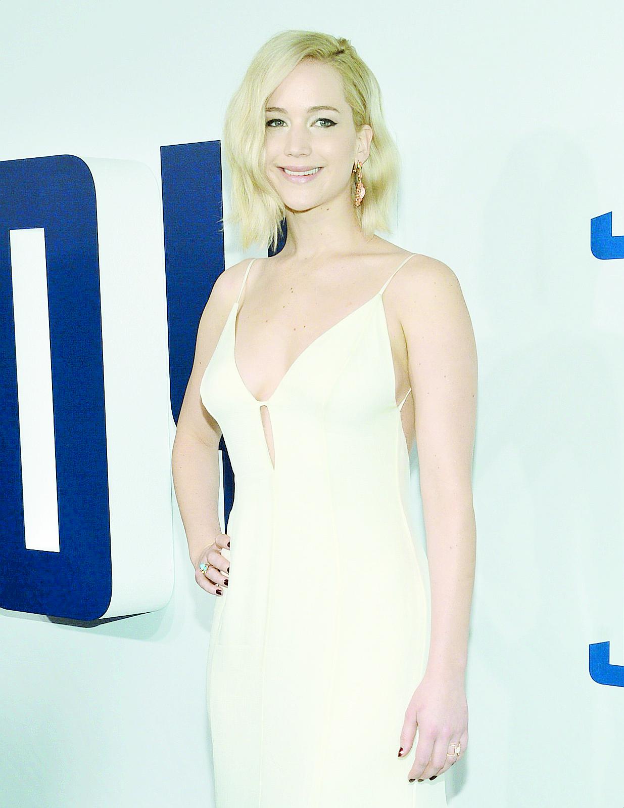 """Cada vez son más las famosas que se suman a la moda del """"no makeup"""". En la foto, Jennifer Lawrence."""