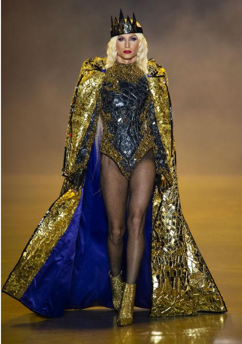 """El diseñador de raíces puertorriqueñas, Phillipe Blond, como la malvada de """"Blancanieves"""". (WGSN)"""