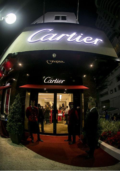 La memorable fachada de Cartier en Condado. (Xavier García)