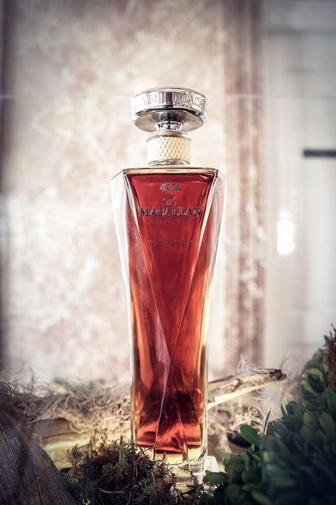 Botella de The Macallan Reflexion en cristal de Lalique de la nueva colección  The 1824 Master Series.