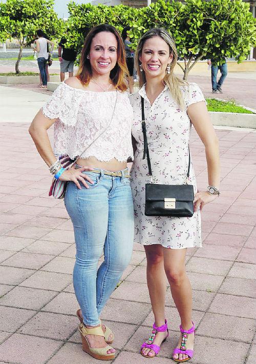 Kathy Colón y Elaine Aspillaga. (Foto: José Rafael Pérez Centeno)