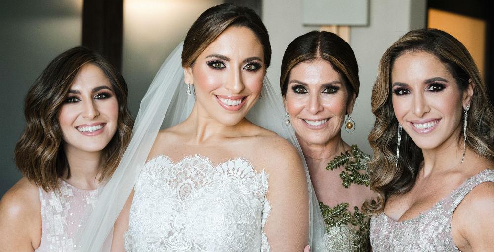 Vestido de la novia: D' Royal Bride. Arreglo personal: Javier Moreno. (Suministrada)
