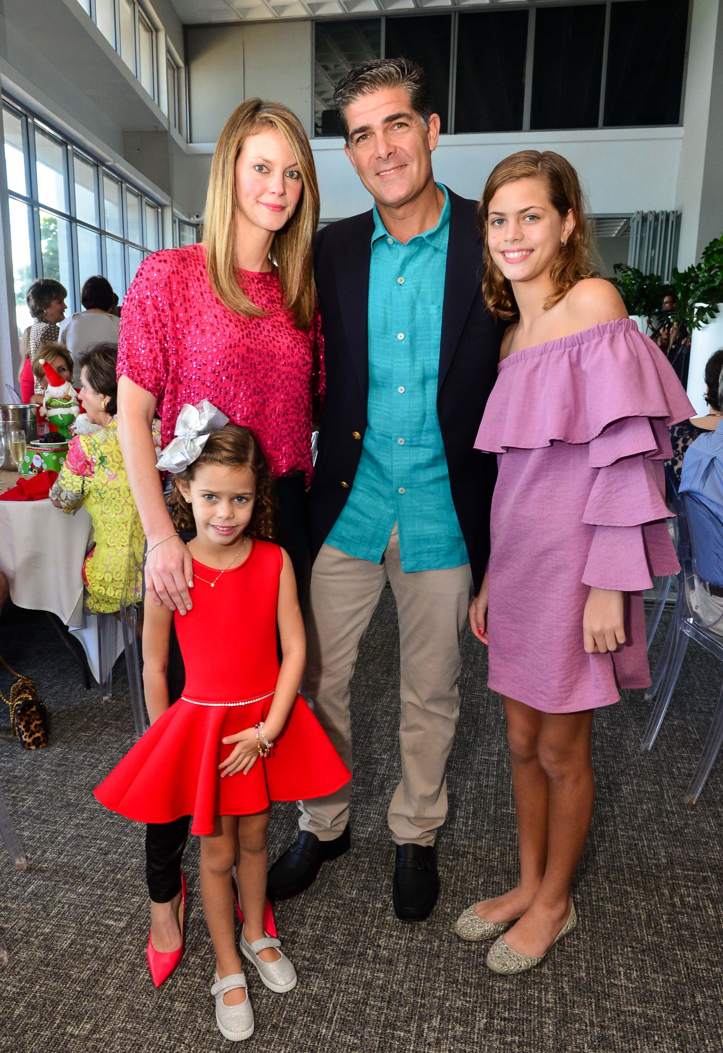 Elena Vizcarrondo junto a Isabela, Rolando y Elena Maynulet. Foto: Enid M. Salgado Mercado.