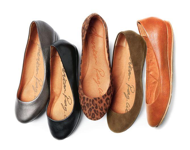 Zapatos American Rag Flats de Macy's.