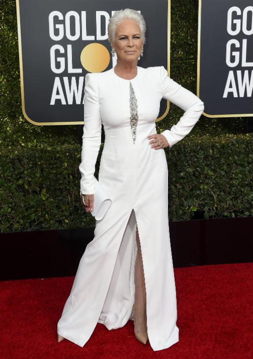 La actriz Jamie Lee Curtis demostró que la sensualidad no está reñida con la edad y que para mostrar la silueta no hay que destaparse. (Foto: AP)