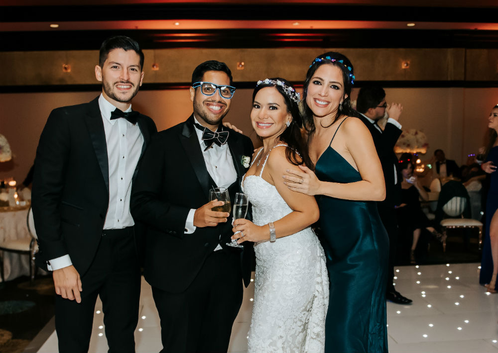 Vestido de la novia: Pronovias, D'Royal Bride. (Suministrada)