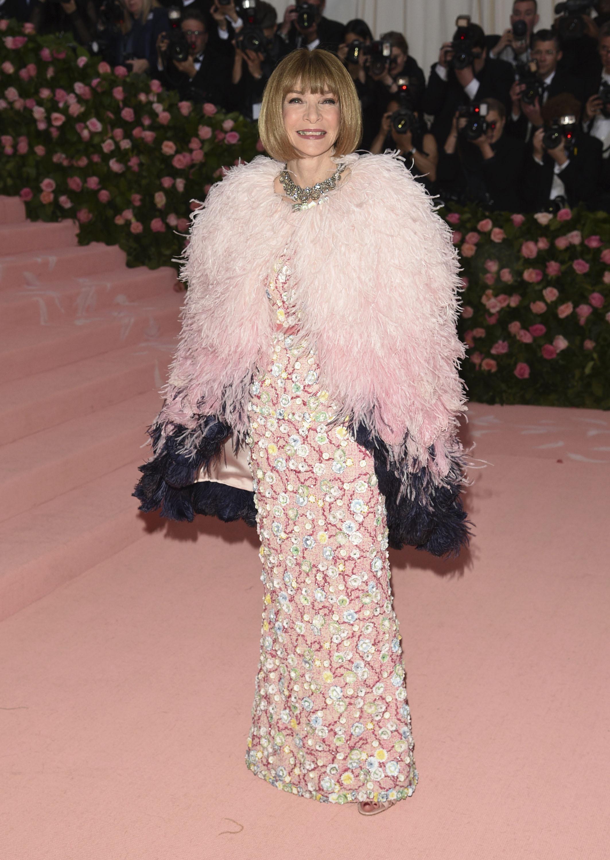 La editora de la revista Vogue, y una de las anfitrionas de la gala, Anna Wintour. (AP)