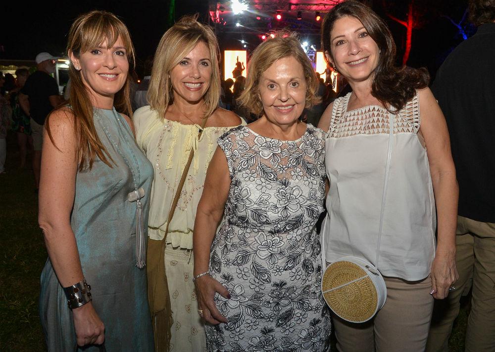Gisela López, Maricarmen Pont, Rosalía Ugobono y Dinorah Campolieto (Foto: Enid Salgado Mercado)
