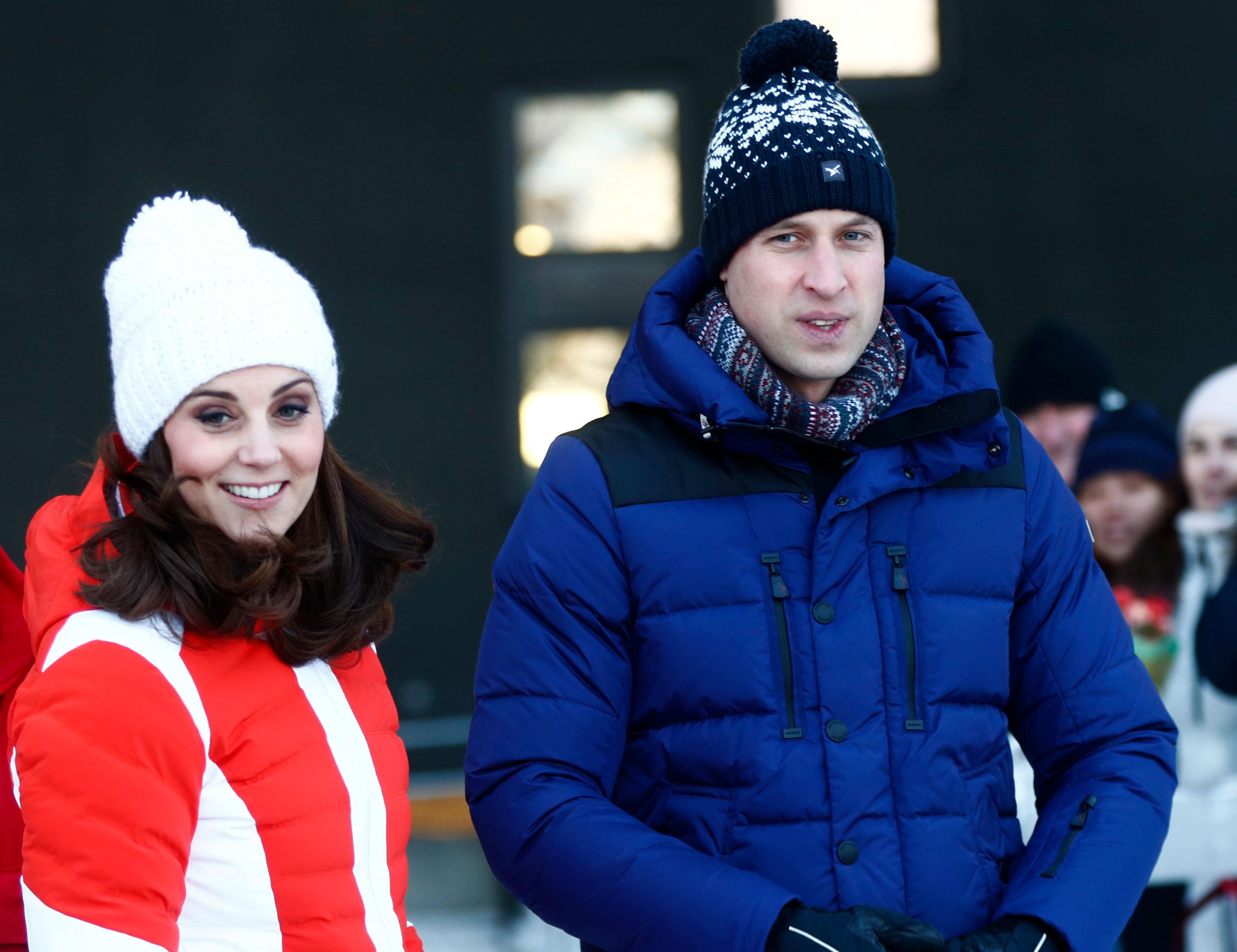 El príncipe William y Kate Middleton durante su vista al Holmenkollen Ski Arena de Oslo. (Cornelius Poppe/NTB scanpix via AP)