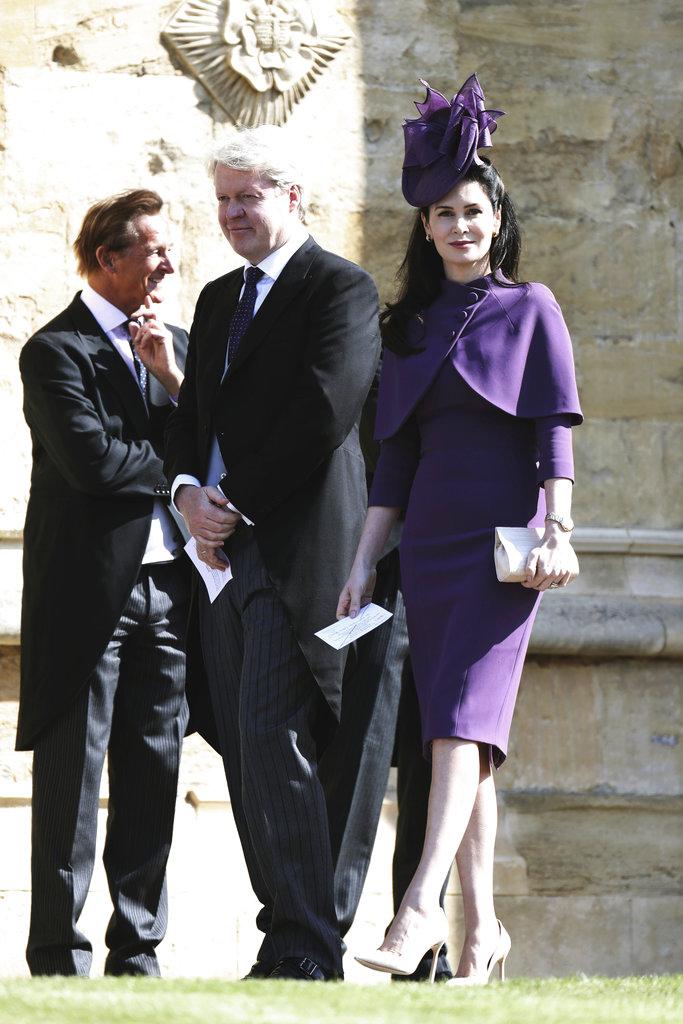 Charles Spencer, el hermano de Lady Di, y su esposa Karen llegan a la ceremonia religiosa de su sobrino Harry. (Foto: AP)