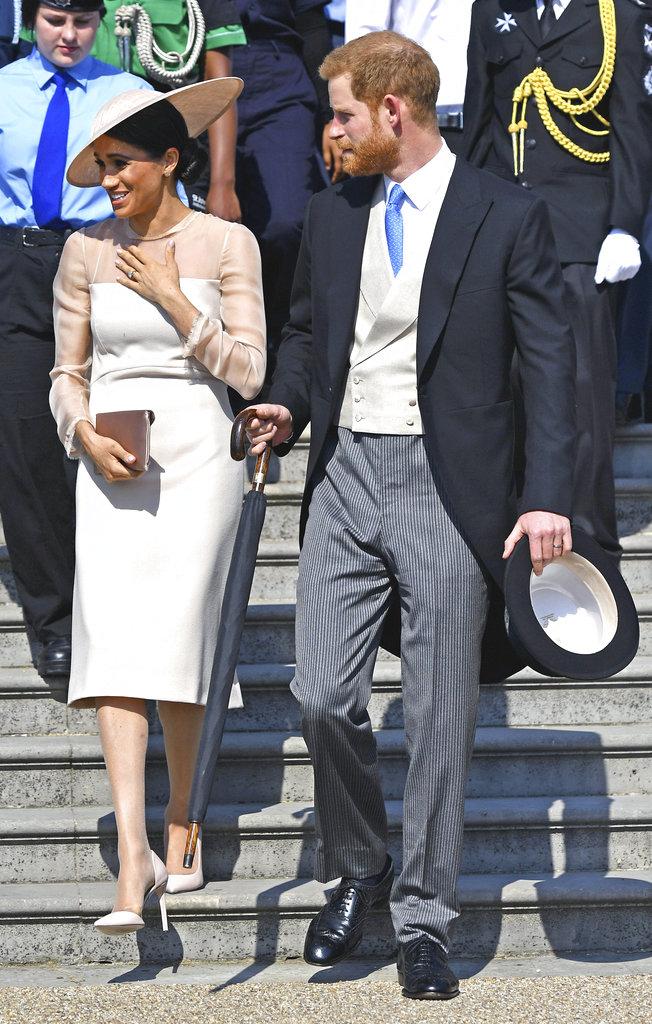 Todo el atuendo de Meghan combinó el mismo tono como suele hacer la reina Elizabeth II. (Foto:AP)