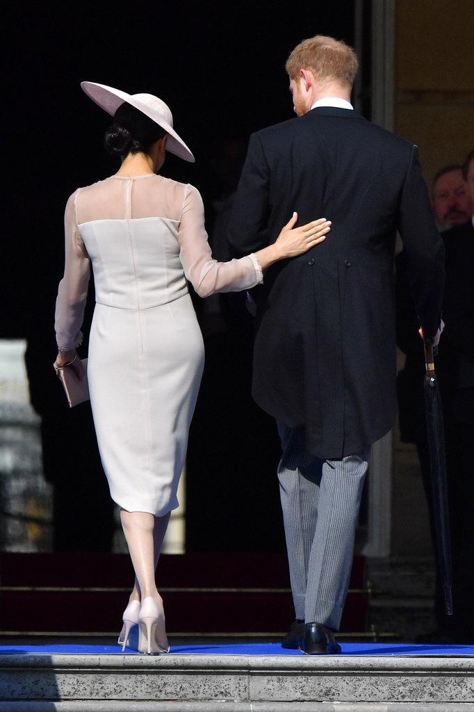 Meghan tuvo varios gestos de cariño con su esposo, el príncipe Harry, como se puede ver en la imagen. (Foto: AP)