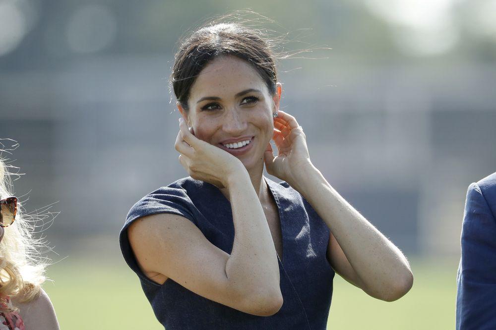 Meghan sonríe durante el Sentebale ISPS Handa Polo Cup. (AP)