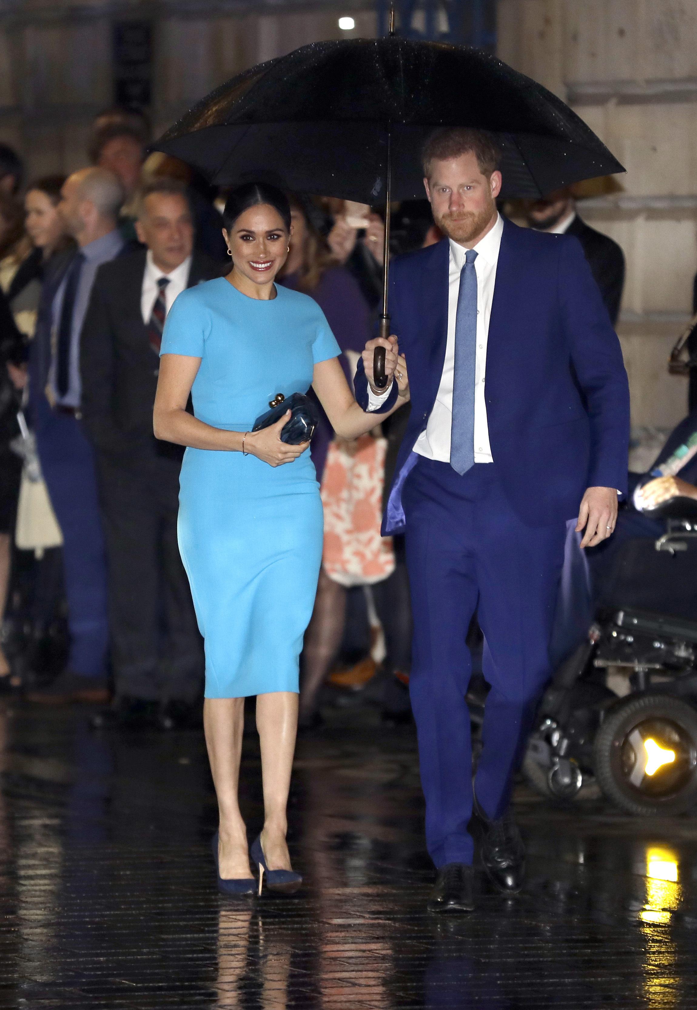 La ocasión marca el primer compromiso de su última jornada de eventos como miembros de la realeza. (AP)