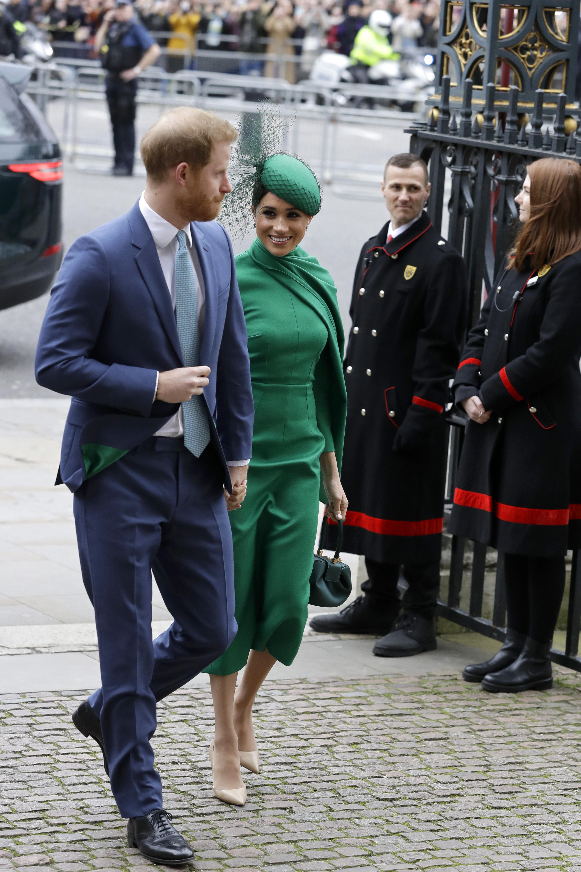 Tras renunciar a la realeza, la pareja dividirá su tiempo entre Londres, Canadá y Los Ángeles. (Phil Harris / Pool via AP)