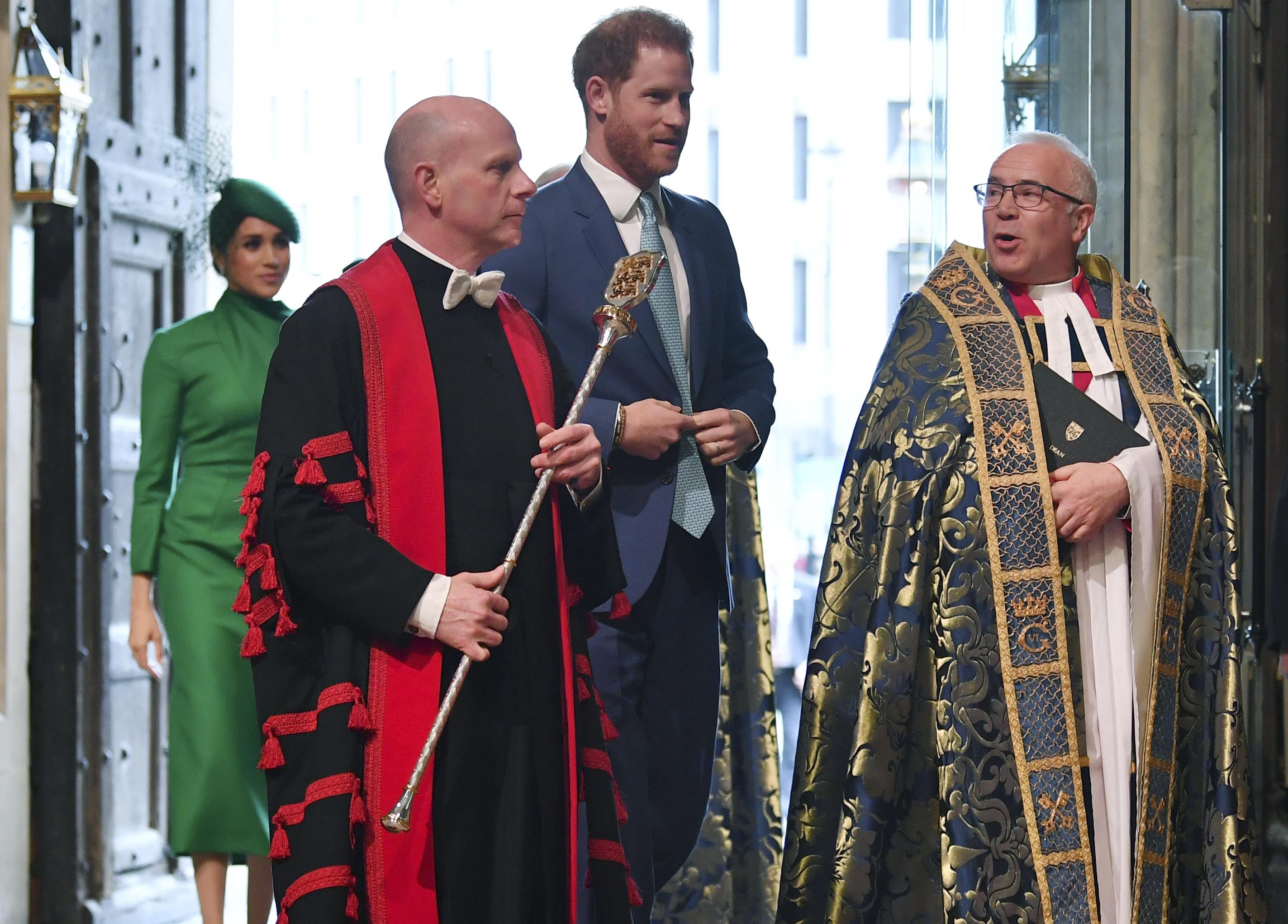 El príncipe Harry y Meghan Markle asistieron hoy a su último compromiso oficial como miembros de la realeza. (Phil Harris / Pool via AP)
