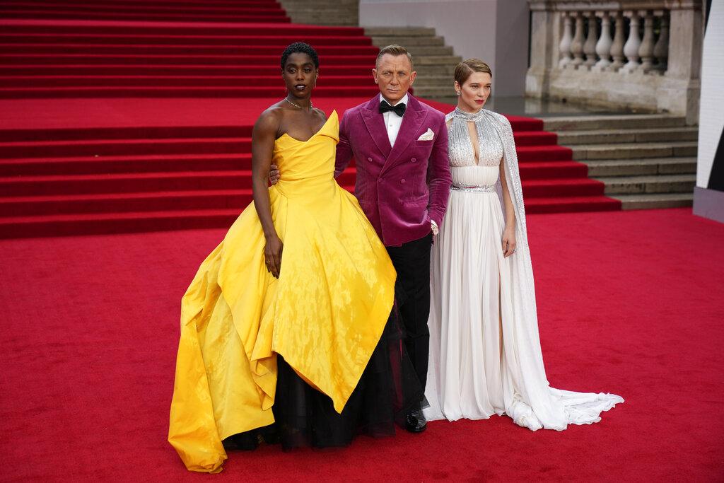 Desde la izquierda, Lashana Lynch, Daniel Craig y Lea Seydoux. (AP)