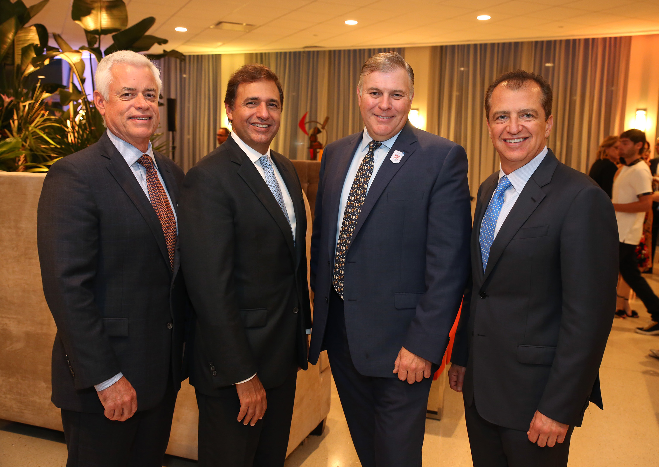 Keith Camplet, Michael Dean, Danny Hughes y Paul Ades.