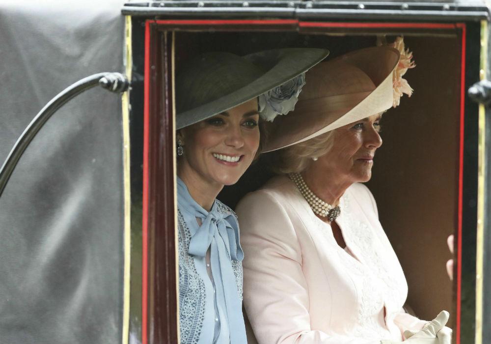 El evento inició en 1711, cuando la reina Anne, quien era una aficionada a los caballos, fundó la carrera. (AP)