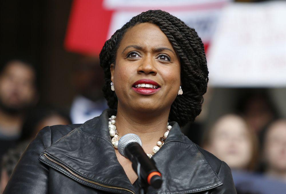 Ayanna Pressley – Primera mujer afroamericana en convertirse en congresista por el estado de Massachusetts. En el 2009 había hecho historia al ser la primera mujer negra en formar parte del Consejo de la Ciudad de Boston. (Foto: AP)