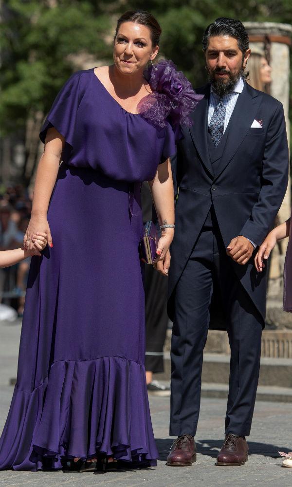 La cantante Niña Pastori y su pareja Chaboli estuvieron entre los invitados. (EFE)