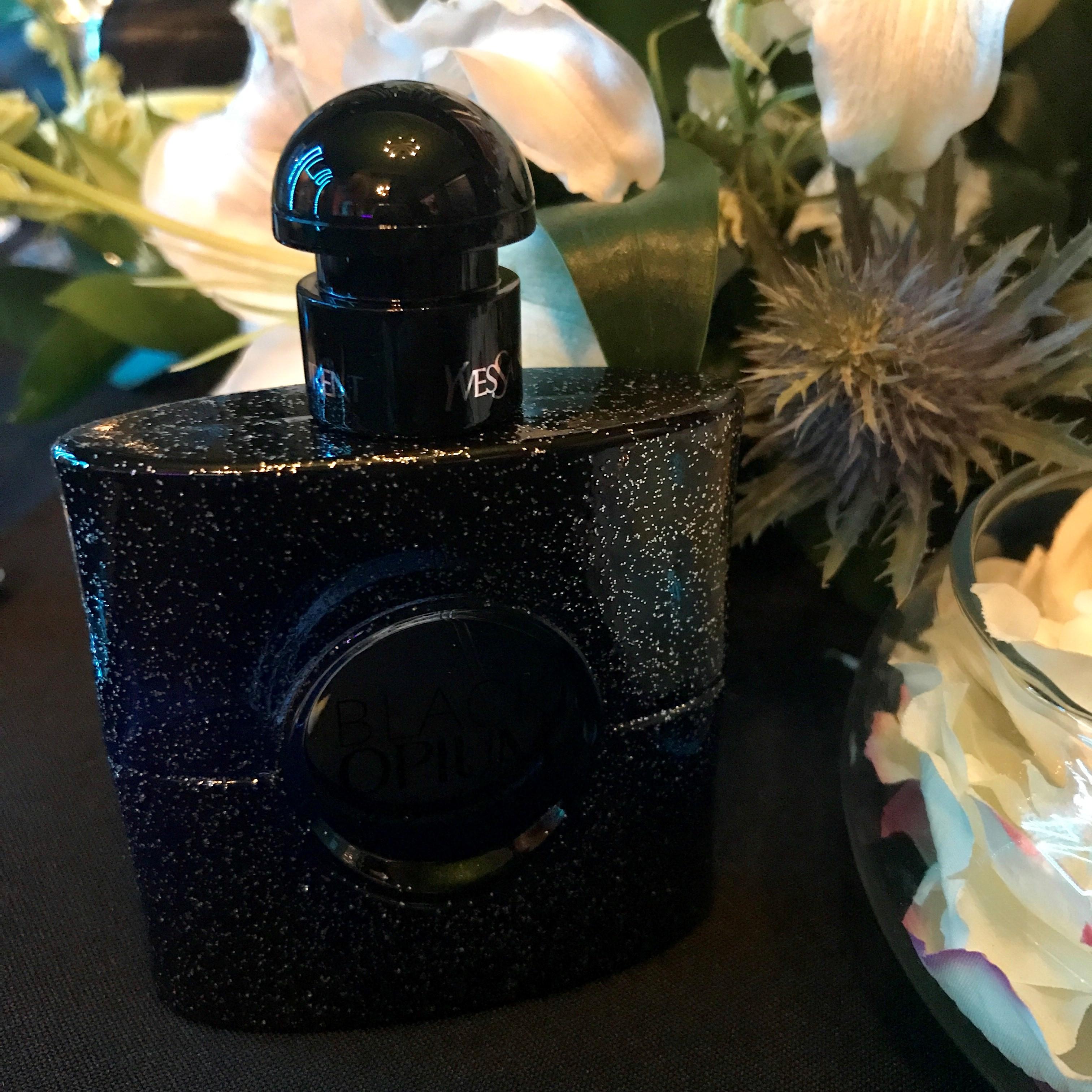 Black Opium, es una nueva versión del perfume Opium que Yves Saint Laurent estrenó en 1977. Es un aroma floral oriental con notas de café negro. (Suministrada)