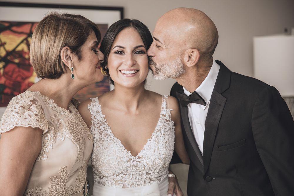 La novia y sus padres. Arreglo personal: Raiza Montes.