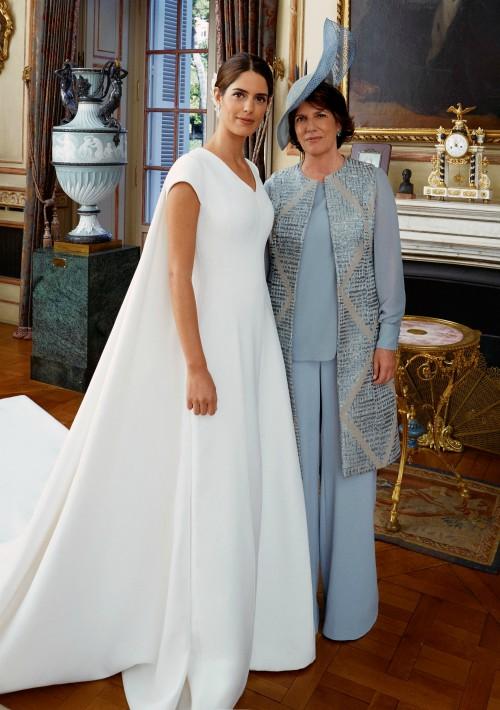 Sofía Palazuelo posa junto a su madre, Sofía Barroso. (Foto: EFE)