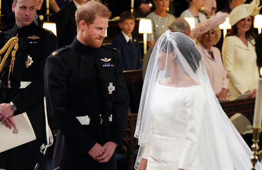 El príncipe Harry y Meghan Markle no dejaban de mirarse a los ojos durante la ceremonia. Jonathan Brady/PA Wire