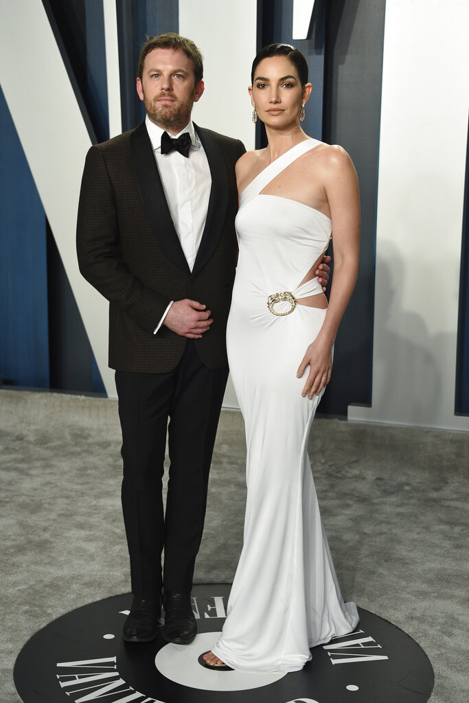 Caleb Followill y Lily Aldridge. (AP)