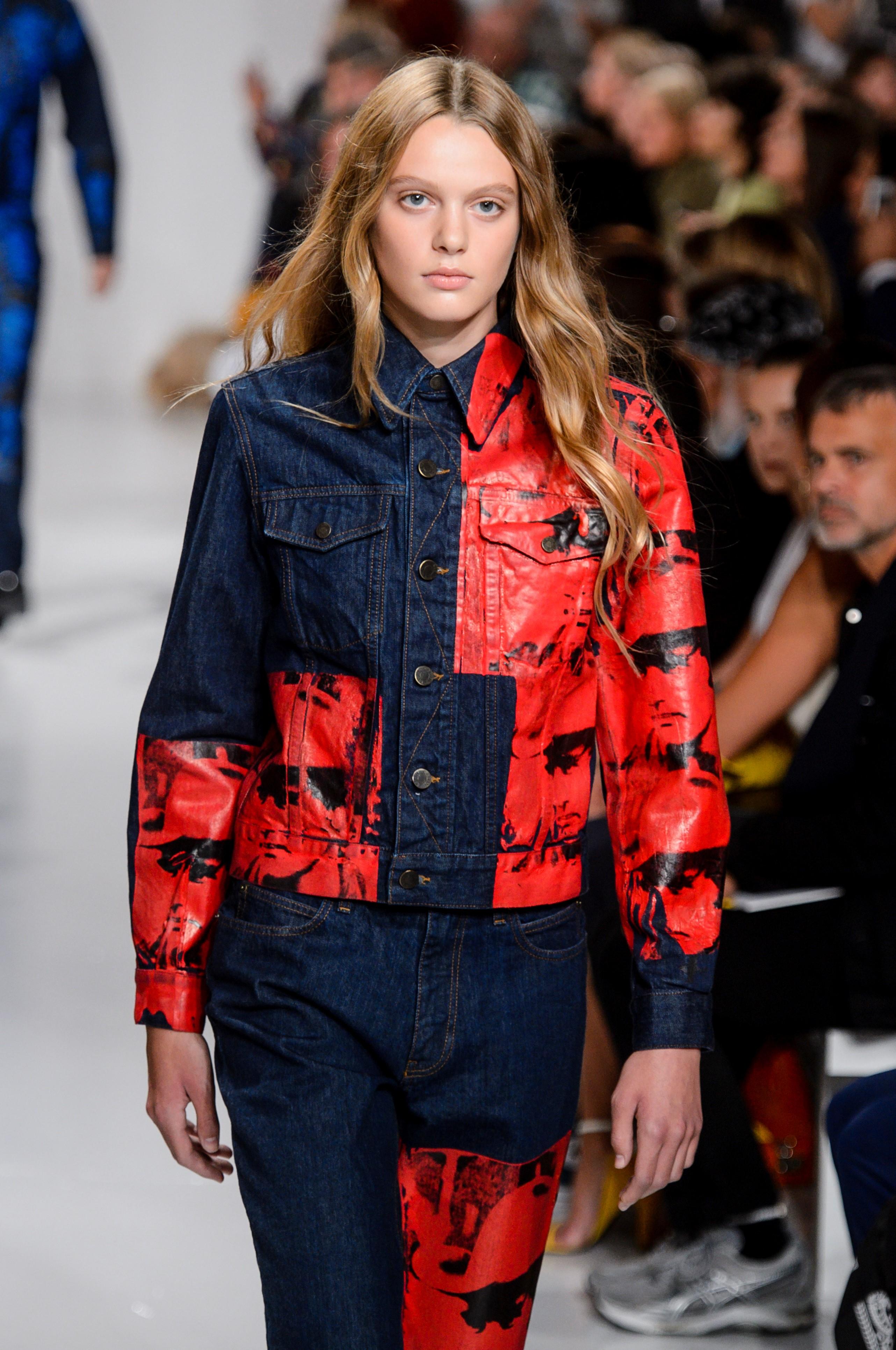 Con tan solo 16 años de edad, la modelo transgénero Ariel Nicholson Murtagh hizo su debut en el NYWF en el desfile de Calvin Klein. (WGSN)