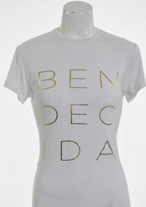 """Camisa blanca """"Bendecida"""", de Tilde & Co. (Foto: Gerald López-Cepero)"""