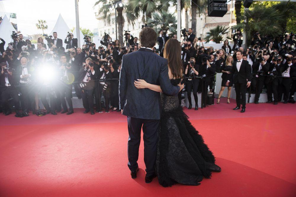 La pareja de actores compuesta por Penélope Cruz y Javier Bardem la noche de apertura de Cannes.(Photo by Arthur Mola/Invision/AP)