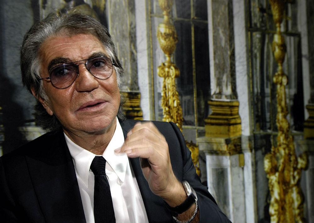 Amante de la moda y de la buena vida, el italiano Roberto Cavalli tiene 76 años. (Archivo)