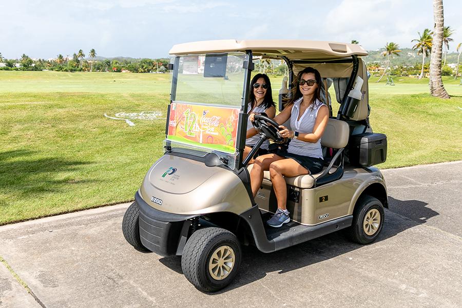 Jugadores en camino hacia los campos de golf. (Suministrada)