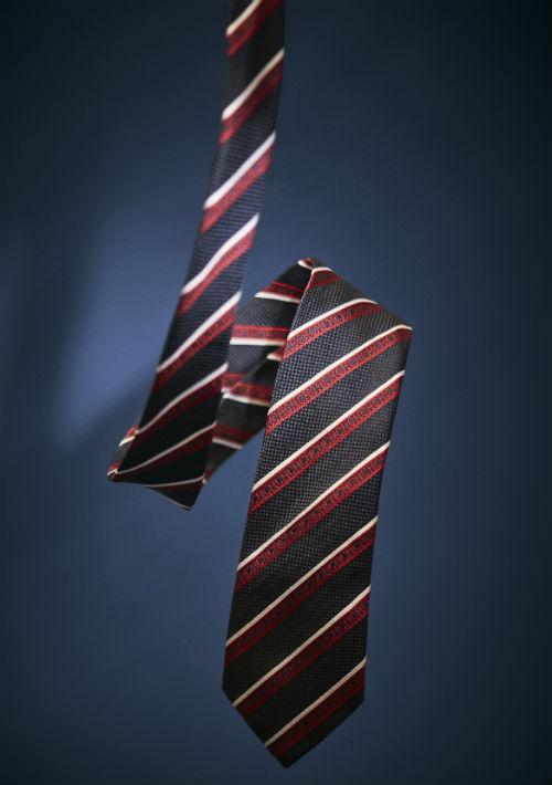 Corbata de seda Carolina Herrera. (Foto: Suministrada)