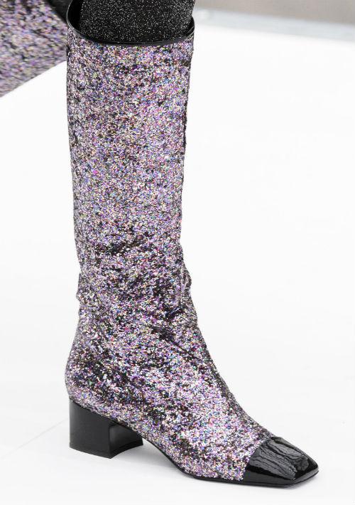 Los extremos son muy característicos de las botas de este año. Diseñador: Chanel. (WGSN)