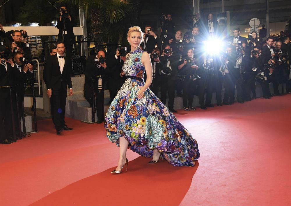 "Cate Blanchett lució un diseño de Mary Katrantzou en la premier de ""Cold War"". (AP)"