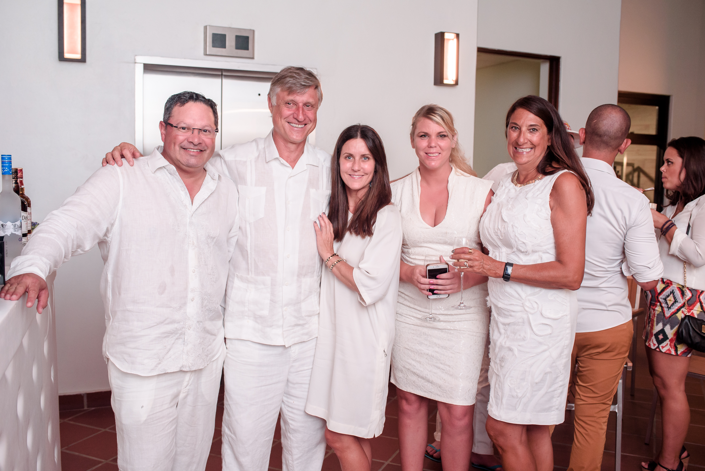 José Alegría, Nils Stolzlechner, Jamie Marion, Candice Irby y Renee Cahill. (Suministrada)