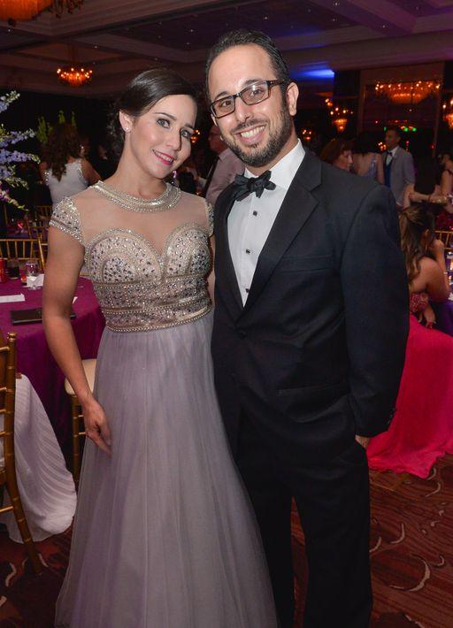Rebecca Aponte y Juan Vidal, en el Prom Night de la Commonwealth-Parkville School en el hotel Condado Vanderbilt.