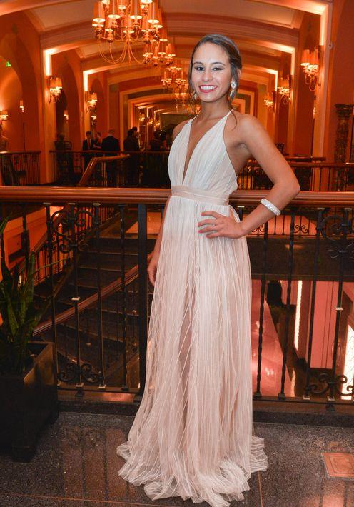 Andrea Berríos en el Prom Night de la Commonwealth-Parkville School en el hotel Condado Vanderbilt.
