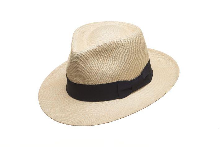 Modelo tradicional de Panama Hat de la tienda El Galpón.