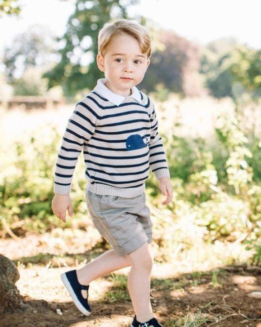 Cuando cumplió tres años, los duques de Cambridge publicaron fotografías del mini hombrecito luciendo adorable. (Instagram / @kensingtonroyal)