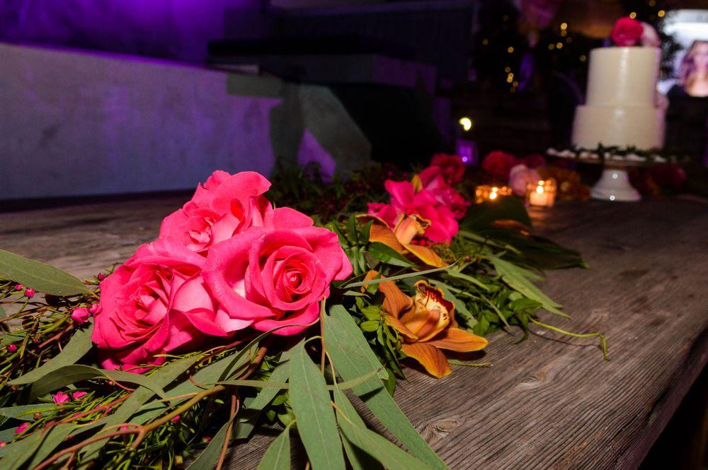 """Las flores y la ambientación del evento, celebrado en el """"rooftop"""" del Hotel Olive Boutique, en Condado, estuvo a cargo de STEM Events. Foto Enid M. Salgado Mercado."""