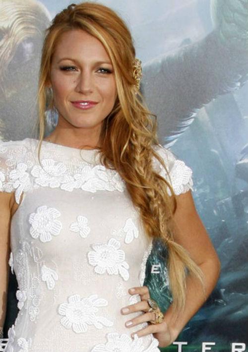 """8. Blake Lively: es la única actriz en la lista. Uno de sus momentos cumbre fue durante la gira de promoción de la película """"A simple favor'"""" donde lució piezas de firmas como Ralph Lauren, Versace y Zimmerman, subiendo las ventas. (Foto: Archivo)"""