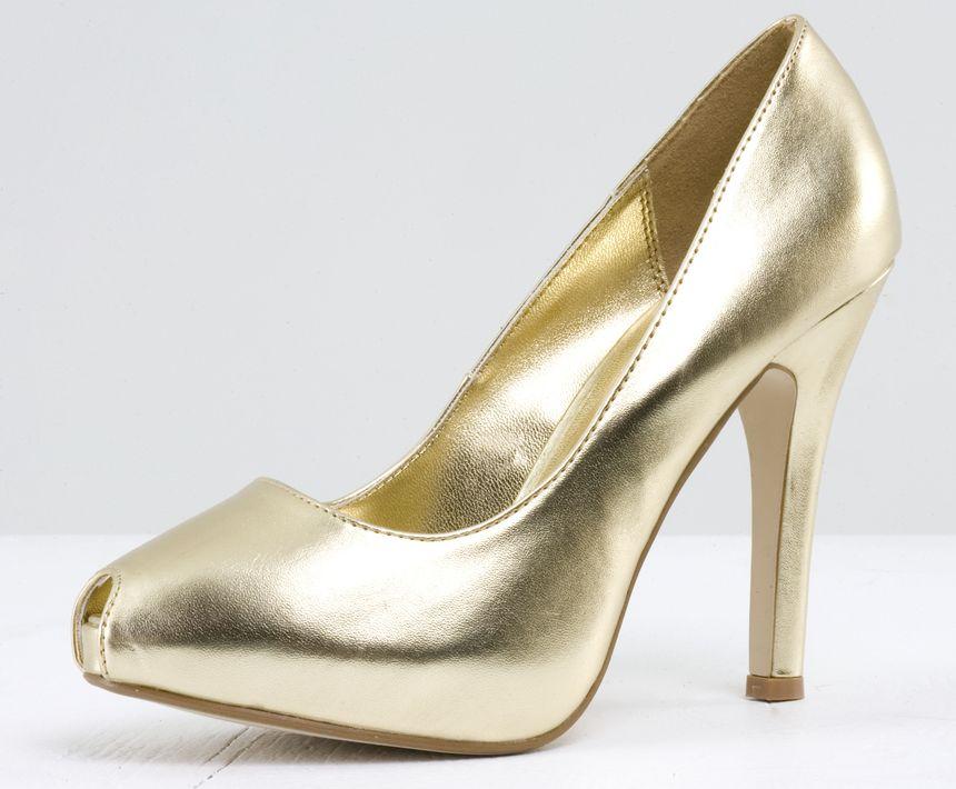 """Aunque algunos llaman """"pumps"""" a algunos estilos de zapatos sin tacón, otros señalan que para tener esta clasificación el tamaño de su tacón debe ser mediano o alto. (Foto: Archivo)"""