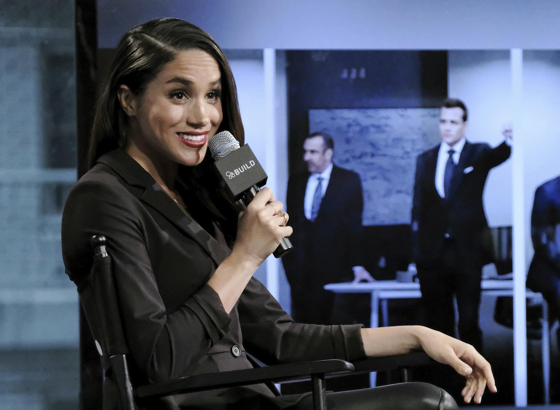"""Faltando semanas para la boda, se anunció que Meghan se despedía de la serie televisiva """"Suits"""", en la que participó por varios años interpretando a la asistente de abogados """"Rachel Zane"""". (Archivo)"""