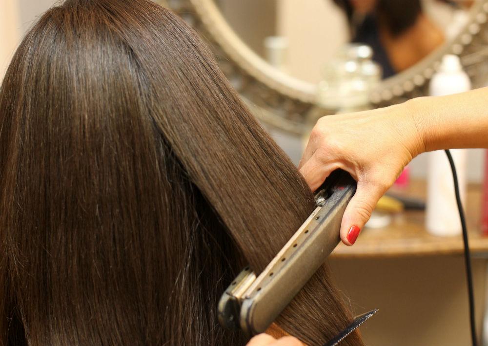 Utiliza la plancha cuando el cabello este completamente seco, nunca húmedo ni mojado porque maltratas más el cabello. (Foto: Suministrada)