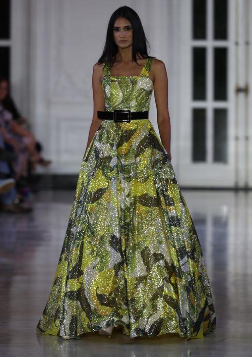 """De la colección de Kriado se destacaron los vestidos largos con faldas anchas, los """"jumpsuits"""", las """"maxi skirts"""". (Foto: David Villafañe)"""