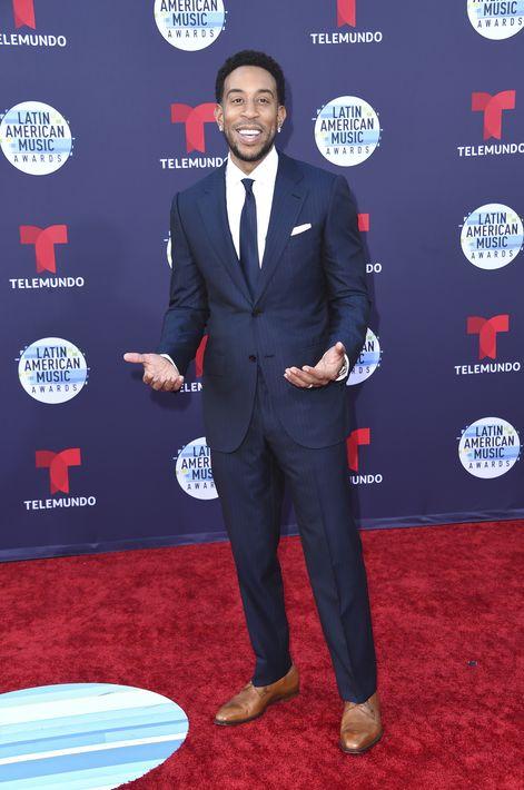 Clásico, así se puede describir el ajuar seleccionado por el cantante Ludacris. (Foto: AP)